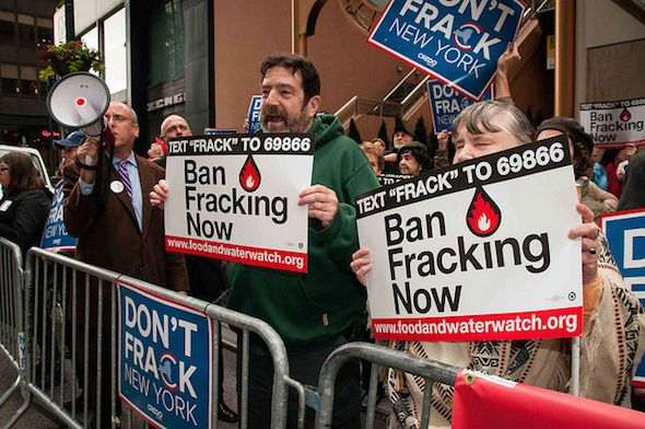 Posted on Oct28,2015 By Joshua Frank / CounterPunch CREDO.fracking / CC BY 2.0 I'm a vampire, baby, suckin' blood from the earth. Well, I'm a vampire, babe, sell you twenty barrels worth. — Neil ... http://winstonclose.me/2015/10/29/are-the-fracking-vampires-going-bust-written-by-joshua-frank-truthdig/