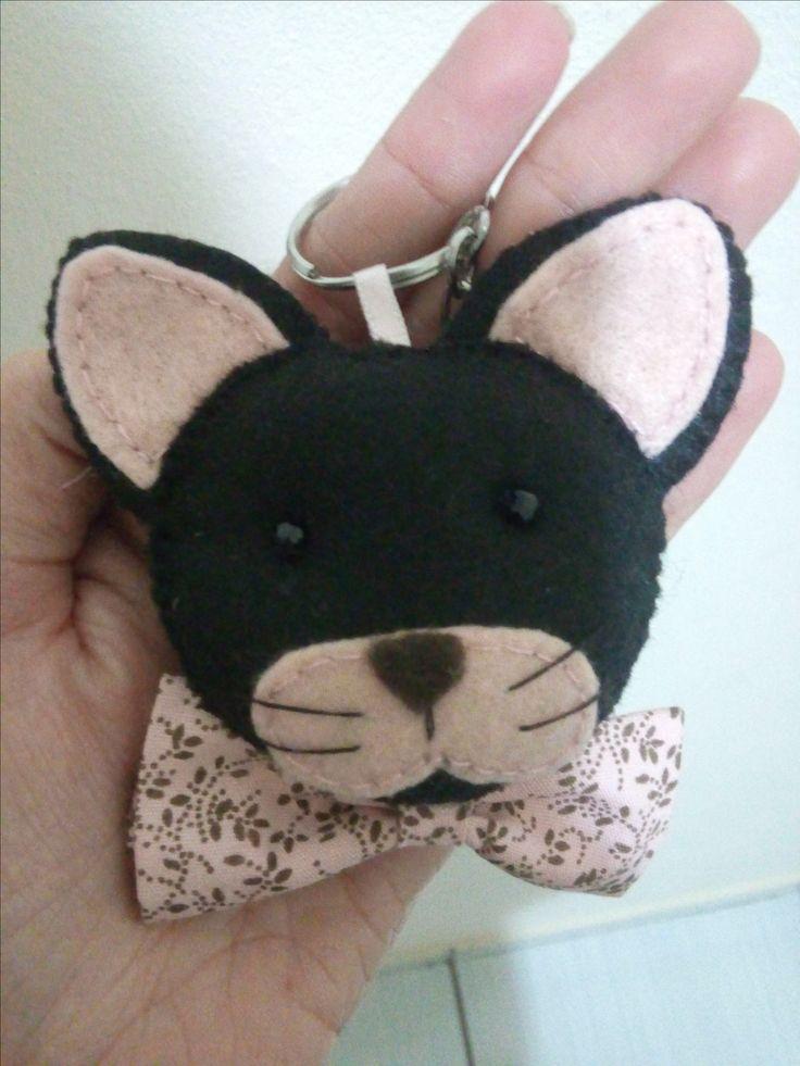 Chaveiro gatinha para lembrancinha em feltro personalizada