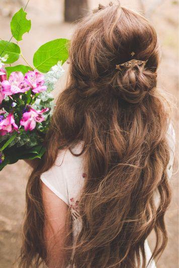 it kinda looks like belle's hair :)
