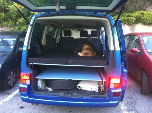 Simple conversion of VW T4 caravelle syncro 9 seats in a campervan