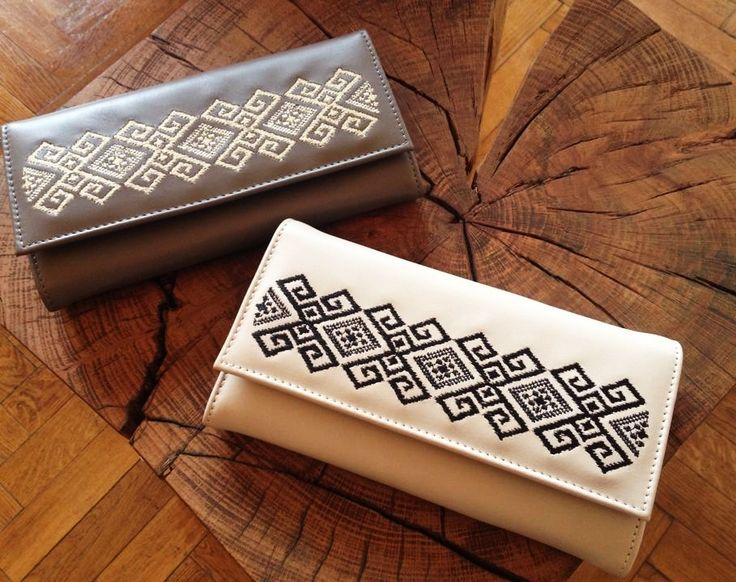 Embroidered leather wallets, beautiful tales of inner heritage.