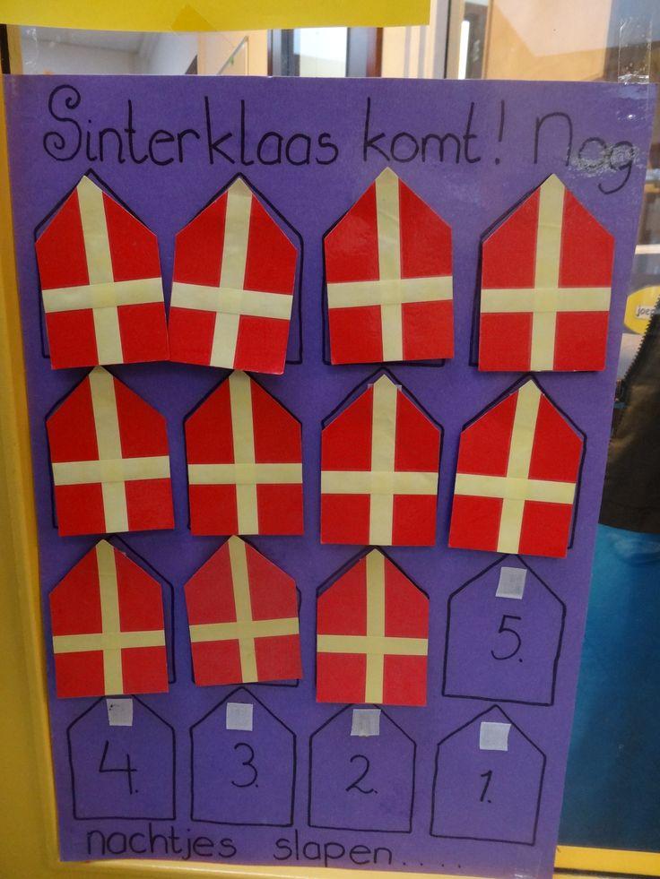 Hoeveel nachtjes nog slapen tot Sinterklaas op school komt?  Elke dag een mijter ophangen - kleuters - juf Ester Klaver
