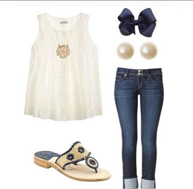 I love this outfit! It's simple, yet stylish. #preppy #outfit
