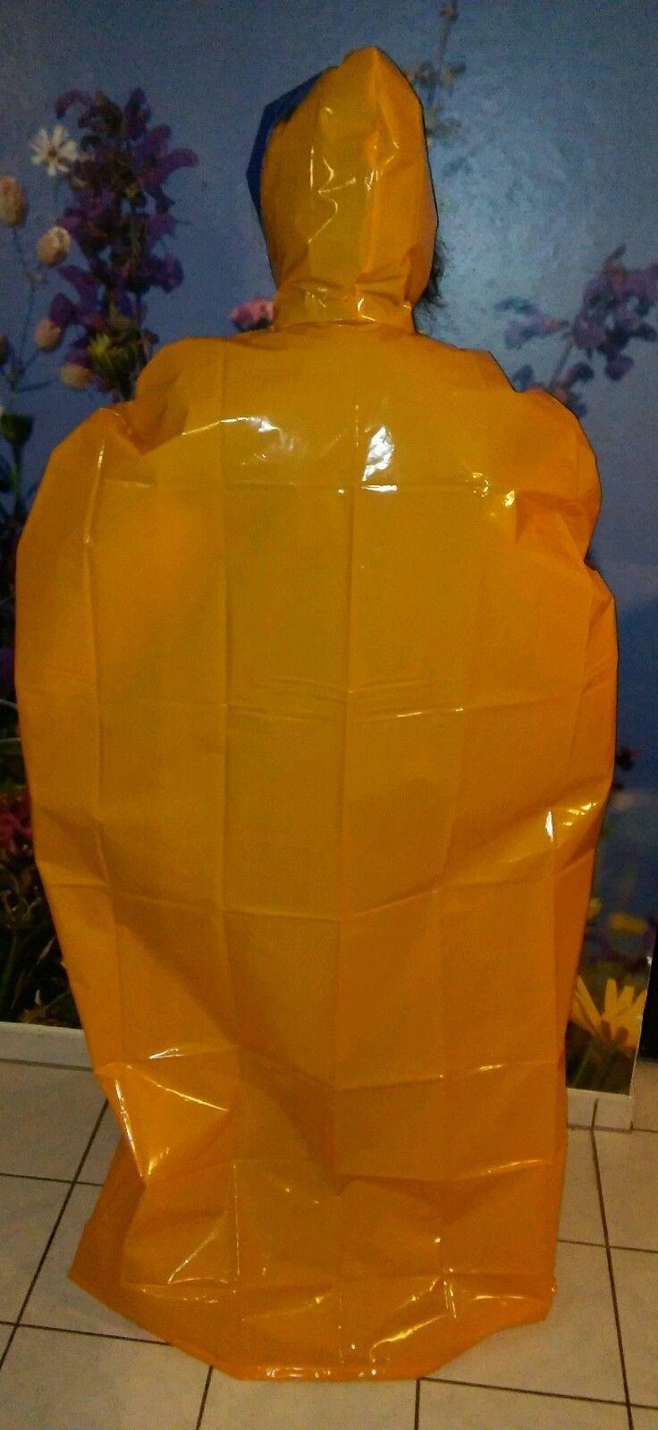 pvc regencape lack vinyl glanz gummi regenmantel poncho gelb blau rei verschluss in kleidung. Black Bedroom Furniture Sets. Home Design Ideas