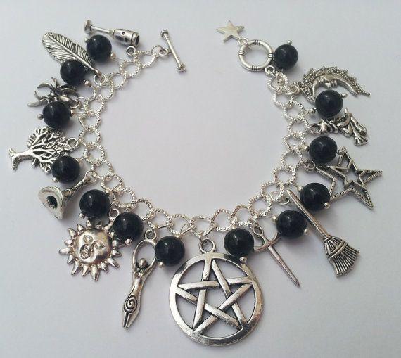 Onyx Wicca bedelarmband met heidense bedelarmband, zwart Wicca armband, heidense armband, handgemaakte sieraden, Witch Gift, zwarte armband