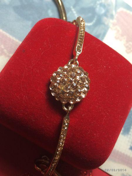 Stunning Rose Crystal Cluster & Gold Fashion Bracelet