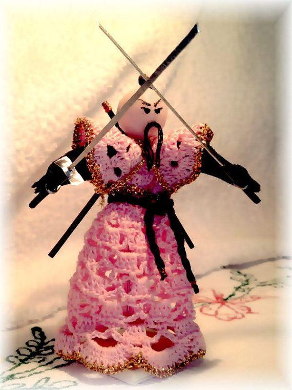 Guerriero Samurai fatto a mano di UncinettoAnimaletto su Etsy, €20.00