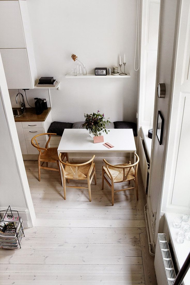 Jurnal de design interior - Amenajări interioare : Garsonieră de 33 m² cu pat suspendat