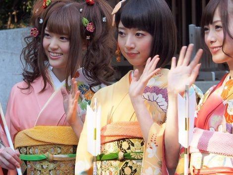 乃木坂46 (nogizaka46)  Upcoming Age Ceremony ~ Matsumura Sayuri (松村沙友理)  Hashimoto Nanami (橋本奈々未)  Shiraishi Mai (白石麻衣)
