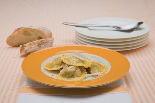 Ca vous dit des Tortelli à la courge :  =>  http://www.gusto-arte.fr/recettes/tortelli-a-la-courge/