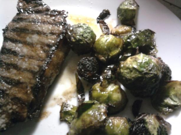 Steak Marinade 1/4 cup soy sauce  2 tablespoons Worcestershire sauce  3 tablespoons minced garlic, from jar is fine  1 teaspoon garlic powder  1/2 teaspoon onion powder      Read more: http://www.food.com/recipe/steak-marinade-quick-and-easy-39145#ixzz1WjQV3d80