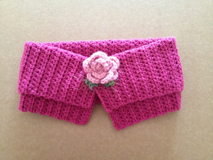 Pink Detachable Crochet Collar - Neck Warmer, Removable Ribbed Short Scarf with Flower Applique. $35.00, via Etsy.