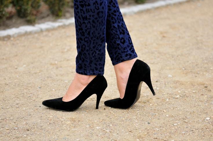 #fashion #shoes Addicted to blog di moda: pantaloni blu leopardo
