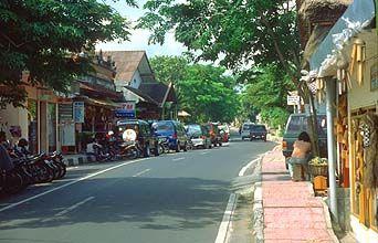 Bali Ubud main street