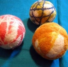 How to make Wool Dryer Balls on ehow.com: Clothing Diapers, Diy'S Wool, Diy'S Dryer, Wool Dryer Ball, Dryer Sheet, Clean Solutions, Dryer Balls, Wool Yarns, Ball Help