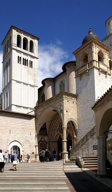 Assisi, Basilica di San Francesco, Zugang zur Unterkirche (Basilica of St. Francis, doorway of the Lower Church)