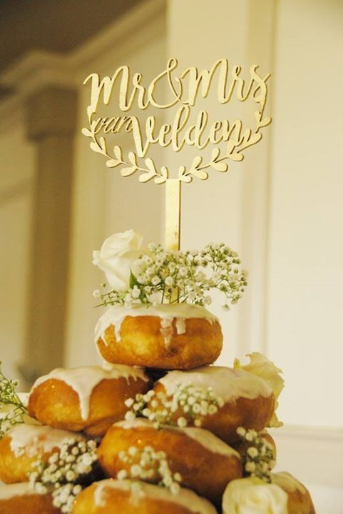 Our dougnut wedding cake with gold topper #doughnuts #wedding