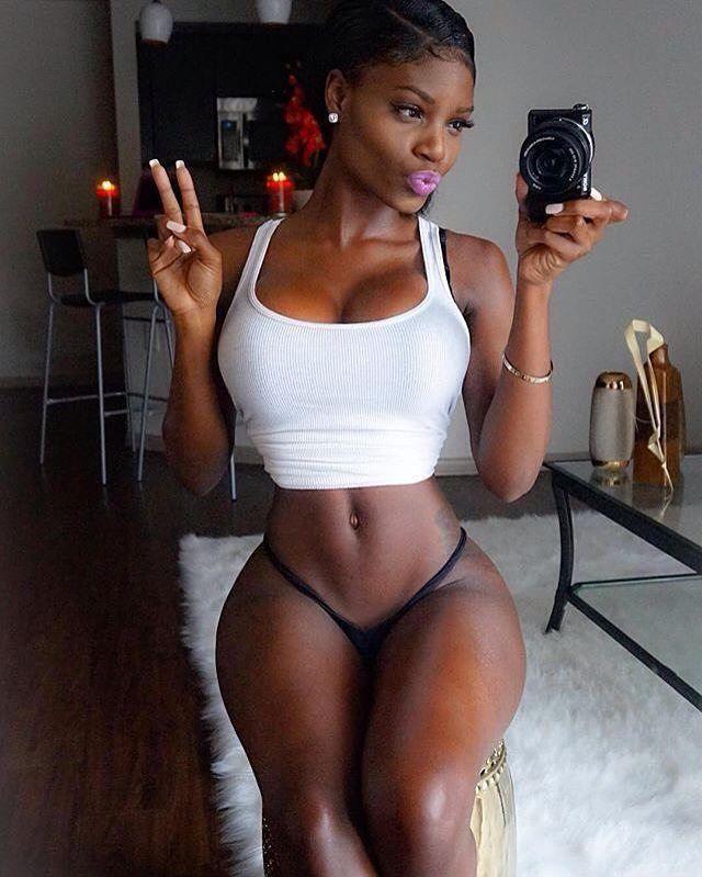 Brianza Ebony Round Mirror