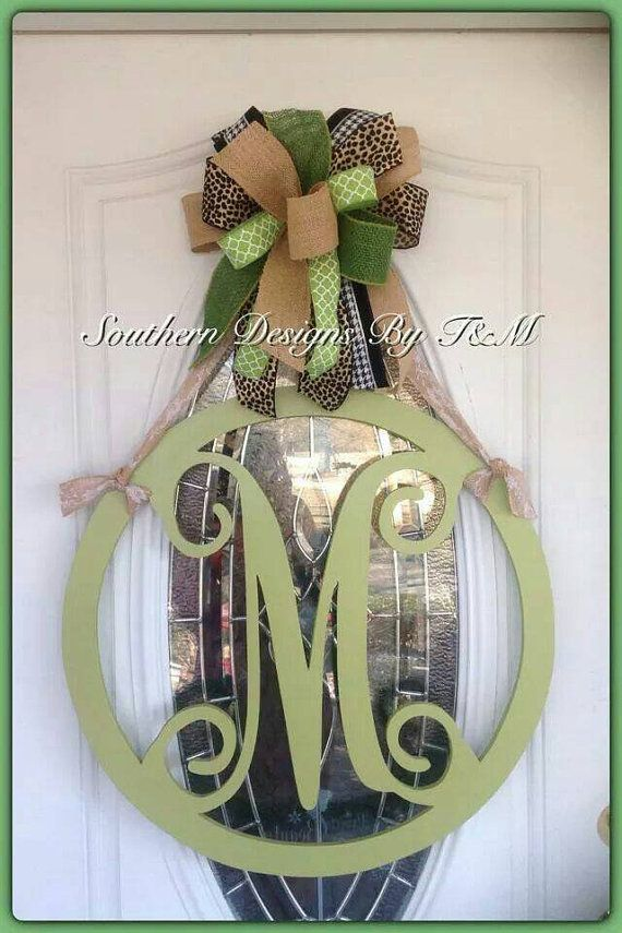 Beautiful circle frame initial door hanger by SouthernDesignsByTM