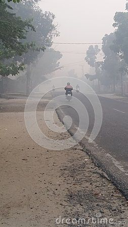 People went go to work smoke street way