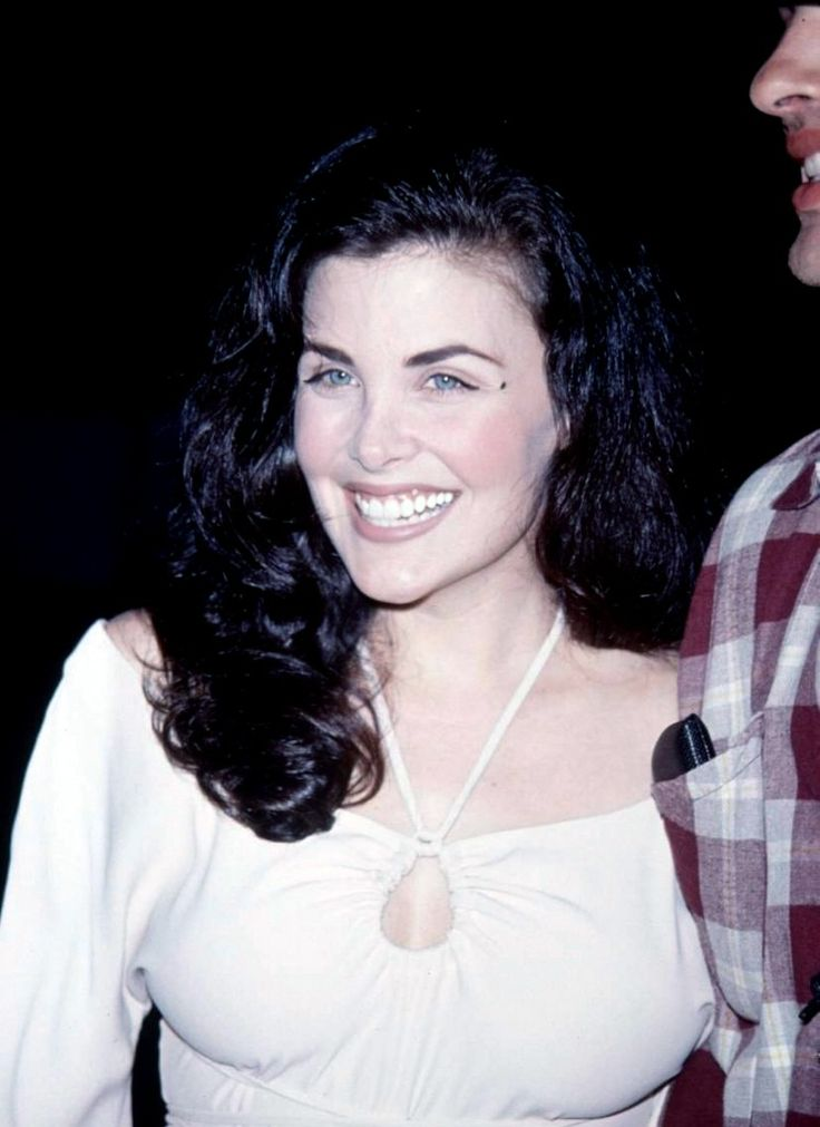 angelswouldnthelpyou: Sherilyn Fenn | Hairstyles that I ...