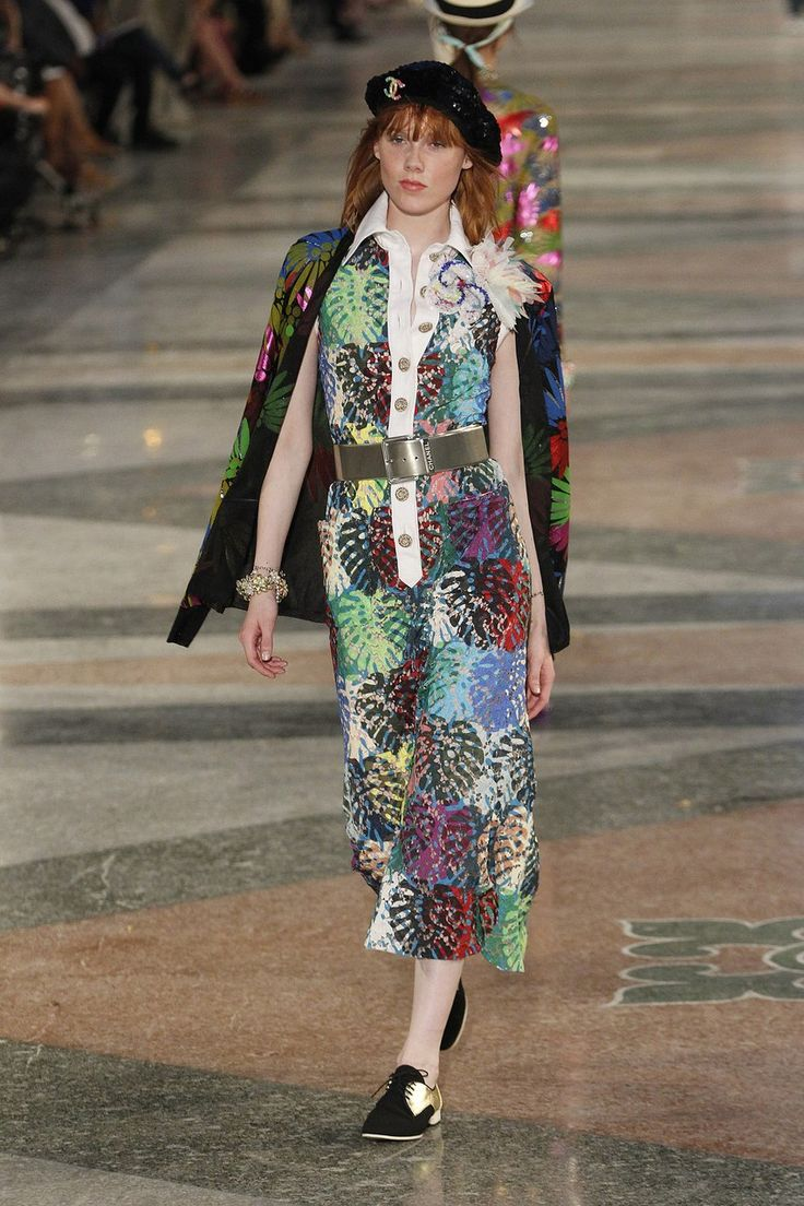 Chanel, Look #60