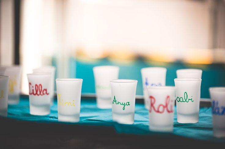 Névre szóló poharak - esküvői fotó #dekor, #poharak, #DIY, #eskuvo, orokrekepek.hu