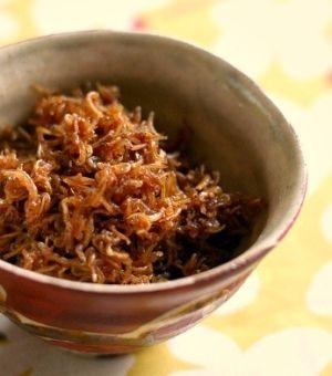 白いご飯に、しらすと生姜の佃煮 レシピ・作り方 by AKDENiZ|楽天レシピ