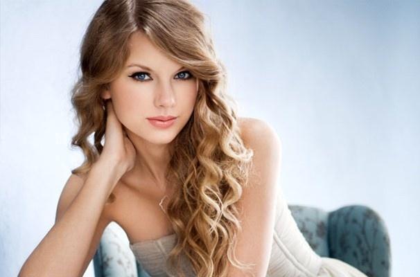 vivanashvegas-320464250-1318366354.jpg 606×400 pixels: Taylor Swift, Artists, Makeup Artistry, Taylors Swift Hot, Art Museums, Backgrounds, Beautiful People, Hair, Favorite People