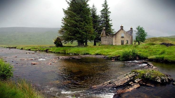 An old house in Luibeilt, Scotland Highlands. | Living ...