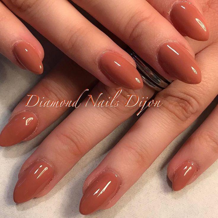 ✖️Couleur brique crée sur mesure ✖️ #nails #ongles #nailart #dijon #onglerie #diamondnailsdijon #amande #almondnails