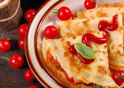 Relleno para crepes: Tomate con salsa rosada - Recetas - Estampas- Nury Gomez. http://www.estampas.com/cocina-y-sabor/recetas/160327/relleno-para-crepes-tomate-con-salsa-rosada