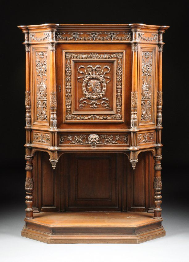 A FRENCH RENAISSANCE REVIVAL CARVED WALNUT CUPBOARD, : Lot 702