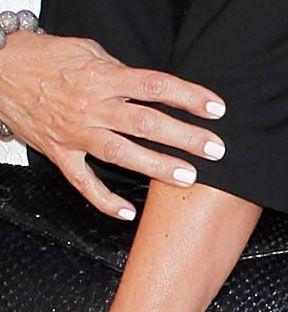 Kardashain Nails | Awwww…Kim Kardashian And Her Mom Wore Matching Nail Polish …