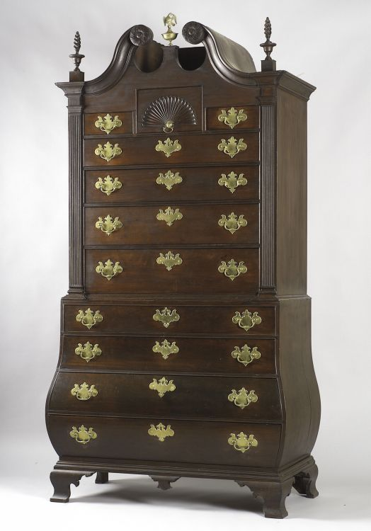American Antique Chippendale scroll top mahogany bombe chest on chest. Fabulous piece, made in Boston or Massachusetts 18th century.