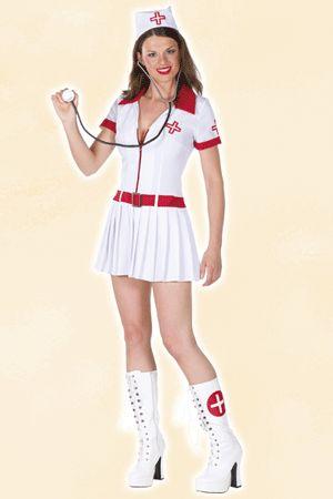 Sexy verpleegsters pakje voor dames. Het sexy verpleegster pakje bestaat uit een kort wit jurkje met rode accenten. Het sexy verpleegsters pakje is inclusief rode riem en een verpleegsters kapje. Carnavalskleding 2015 #carnaval