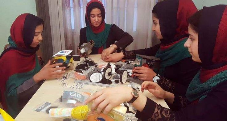 <p>Originally deprived of visa to participate in robot competitions in Washington, the teenage girls of the Afghan team finally got a green light from the US authorities. Trump is right to allow the Afghan robotics team to attend First Global Challenge – https://t.co/bxnW9iUWi0 — Tom Rogan (@TomRtweets) 14 juillet 2017 […]</p>