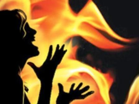 Chennai: Rejected Lover burns software engineer alive, While the family suffers severe burns injuries