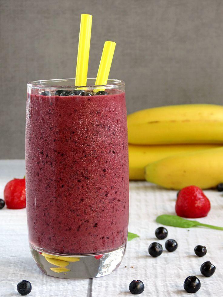Spinach Strawberry Blueberry Smoothie | YummyAddiction.com