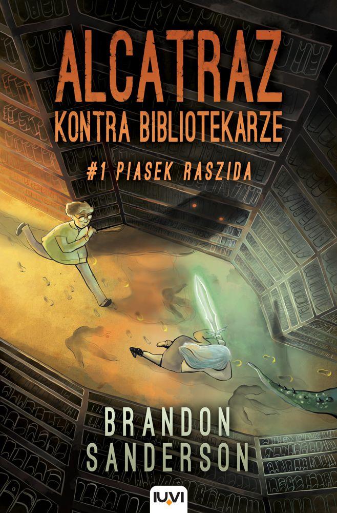 """Jestem po lekturze nietypowej książki, a to dlatego, że… Bibliotekarze zdominowali naszą planetę! Ukrywają przed nami prawdę, a imionami swoich wrogów nazywają więzienia. """"Alcatraz kontra Bibliotekarze. Piasek Raszida"""" autorstwa Brandona Sandersona, to nic innego jak autobiografia słynnego Alcatraza, który zmuszony był pisać pod pseudonimem…  #książka #recenzja #literaturamłodzieżowa #alcatrazkontrabibliotekarze #brandonsanderson #WydawnictwoIUVI"""