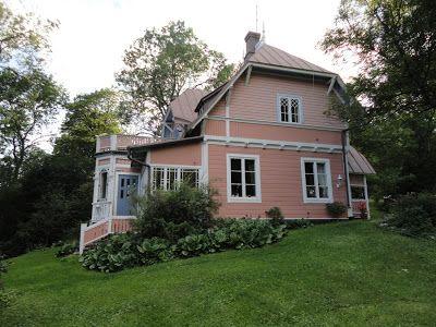 Villa in Ruissalo, Finland / Ruusupensaan takaa: elokuuta 2011