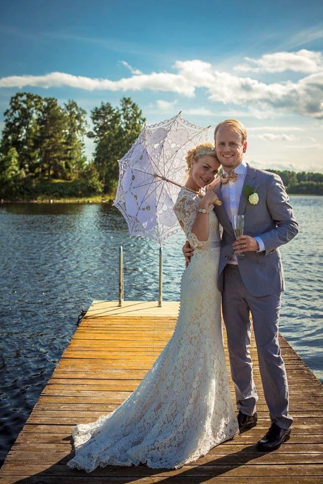 #Weddingdress #elegant #lace #umbrella