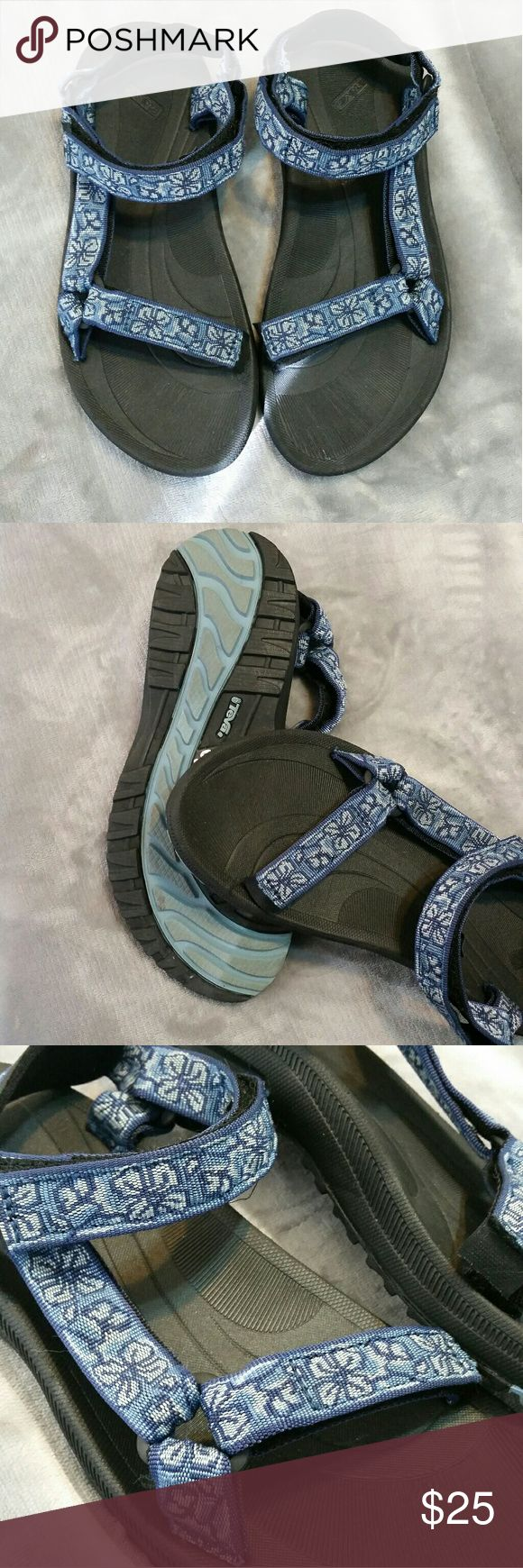ON SALE!! Teva Womens Sandals EXCELLENT CONDITION! Size 10  Excellent condition !  Looks like they've been worn twice (max) .  Price is FIRM Teva Shoes Sandals