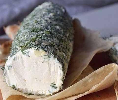 Вкусный кремовый творожный сыр из сметаны и кефира, совершенно не кислый и, конечно, совершенно без крупинок. Можно добавлять в салаты, использовать, как намазку на хлеб или завернуть в лаваш. Ингред…