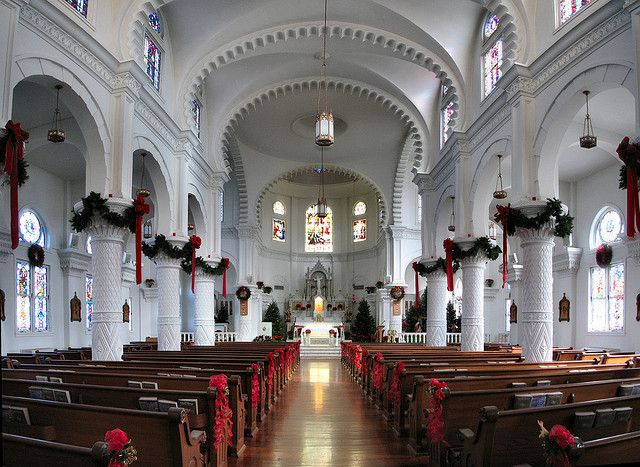 church decorations for christmas , could add the garlands on our pillars
