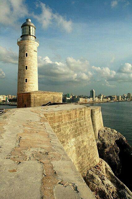 #Lighthouse - Castillo de los Tres Reyes del Morro - Habana, #Cuba. http://dennisharper.lnf.com/