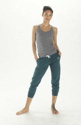 Part sweat pants, part inspired by the harem craze, these subtly slouchy cropped sweat pants are a lush way to go casual. Allowing the freedom of movement you expect in yoga attire, they also have perfectly balanced pockets and drawstring to ensure they stay in place. These soft and stylish sweat pants are perfect for a lazy weekend or an active one! $89.95 http://www.fireandshine.com.au/capris