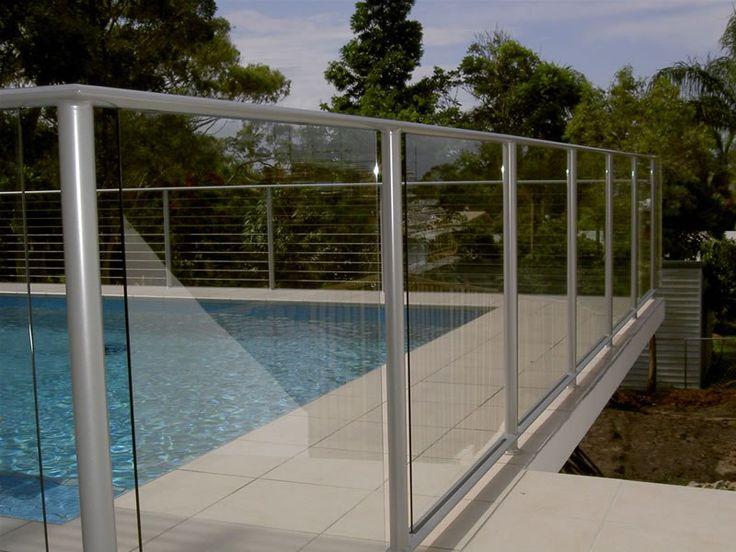 Защитные ограждения бассейна, покрытия.