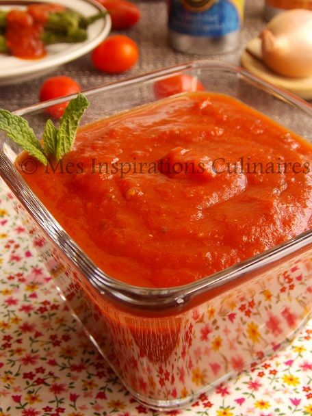 La sauce tomate Marinara / recette italienne. Omettre l'ail pour une recette faible en FODMAP
