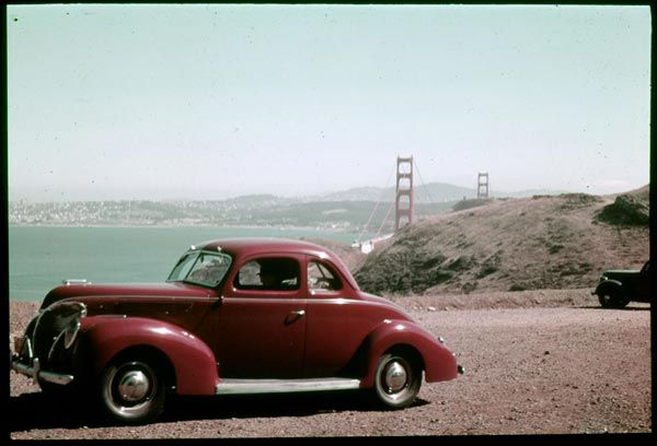 Some excellent digital storytelling here from NPR about Charles Cushman, one of Kodachrome's early adopters.